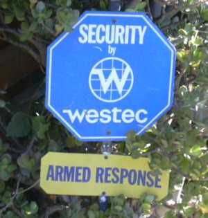2003-0810-venice-armed-response-sign-los-angelesign.jpg