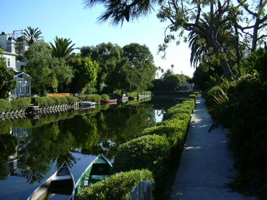 2003-0810-venice-canals-1-los-angeles.jpg