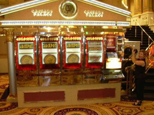 largest slot machine, a machine that was, yes, truly Caesar-size