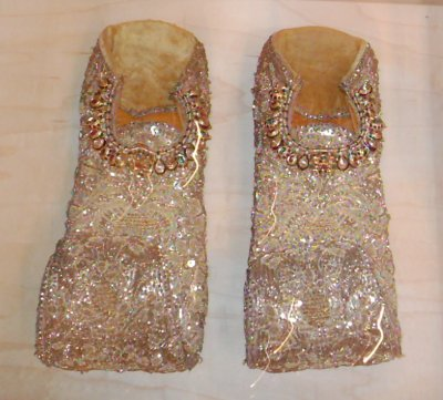 2005-0817-shoes-indian.jpg