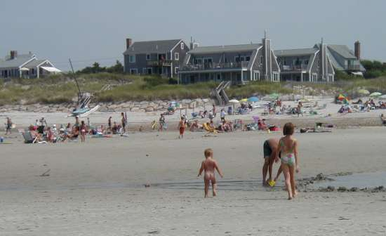 2002-0818-naked-baby-on-beach-dennis-ma.jpg
