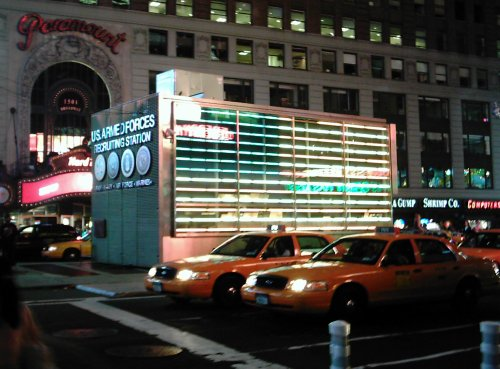 2005-0824-times-square-recruiting.jpg