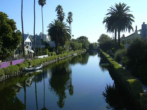 2003-0810-venice-canals-3-los-angeles.jpg