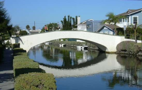 2003-0810-venice-canal-bridge-los-angeles.jpg