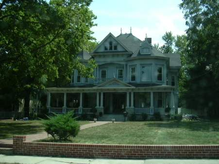 2003-0818-marshall-mo-biggest-house-in-marshall.jpg