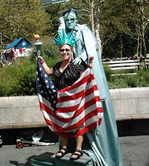 2005-0824-nyc-denise-liberty.jpg
