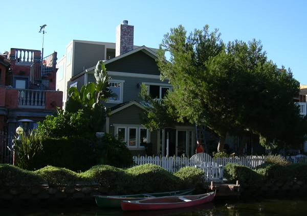 2003-0810-venice-canals-scotts-house-los-angeles.jpg